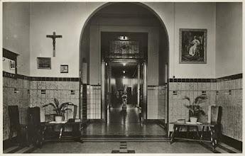 Photo: 1940 Interieur van St. Lucia Gesticht,  25 februari 1945 door een V 1 verwoest
