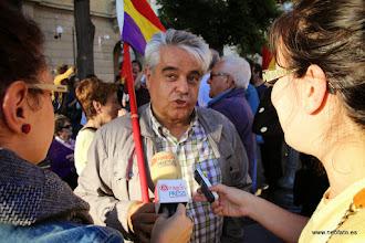 Photo: 02.06.2014.- ¡¡¡Felipe, no serás rey!!! Carlos Escartín, pte CRMAHU, hace declaraciones a los medios.