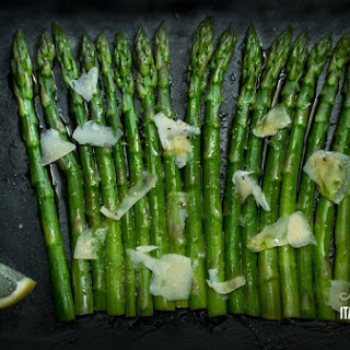 Asparagus with olive oil, lemon and parmesan – The Italian way!.