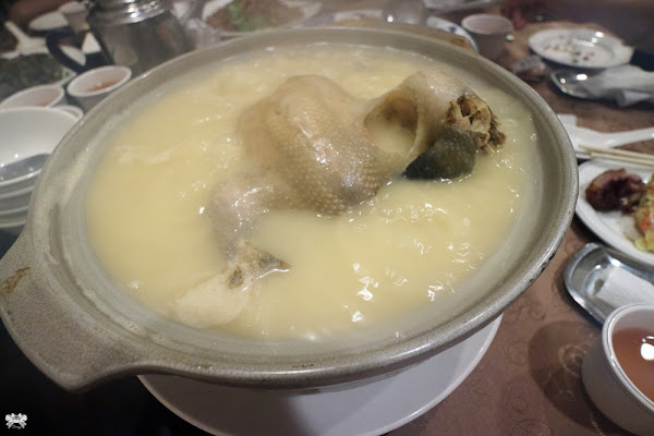 驥園川菜餐廳|仁愛圓環的老店雞湯,家庭生日聚會超適合