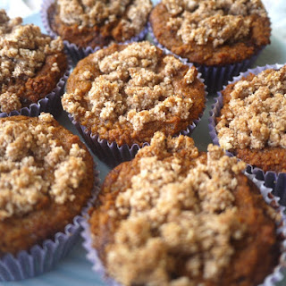 Cinnamon Coffee Cake Crumble Muffins (Paleo, GF)