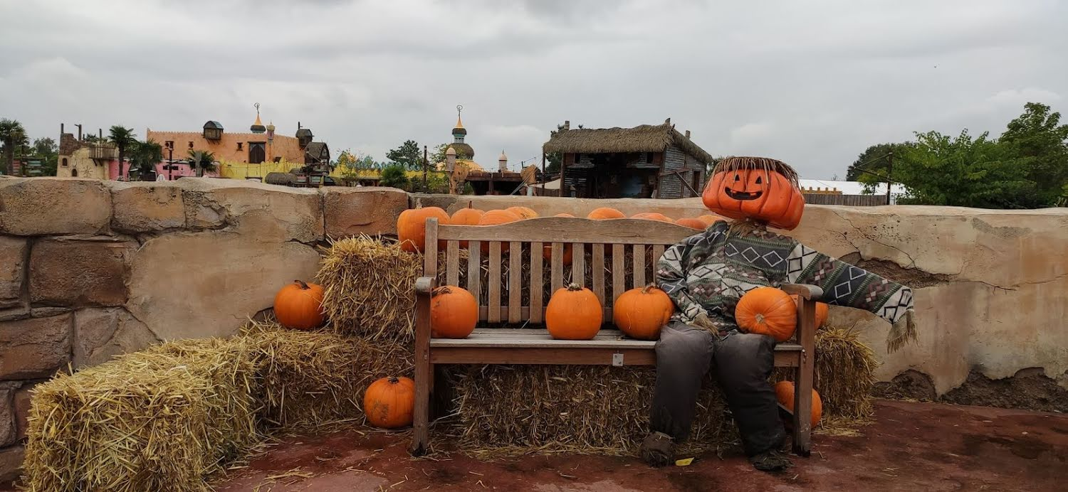 De eerste Halloween decoraties duiken op in Toverland