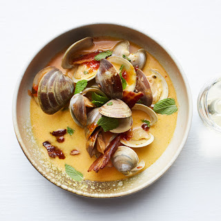 Pepper Jelly–Braised Clams with Mint