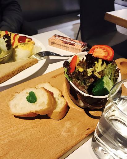 服務態度很親切,東西也好吃,尤其是野菇燉飯😋