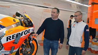 Exposición de Repsol sobre deportes y motor.