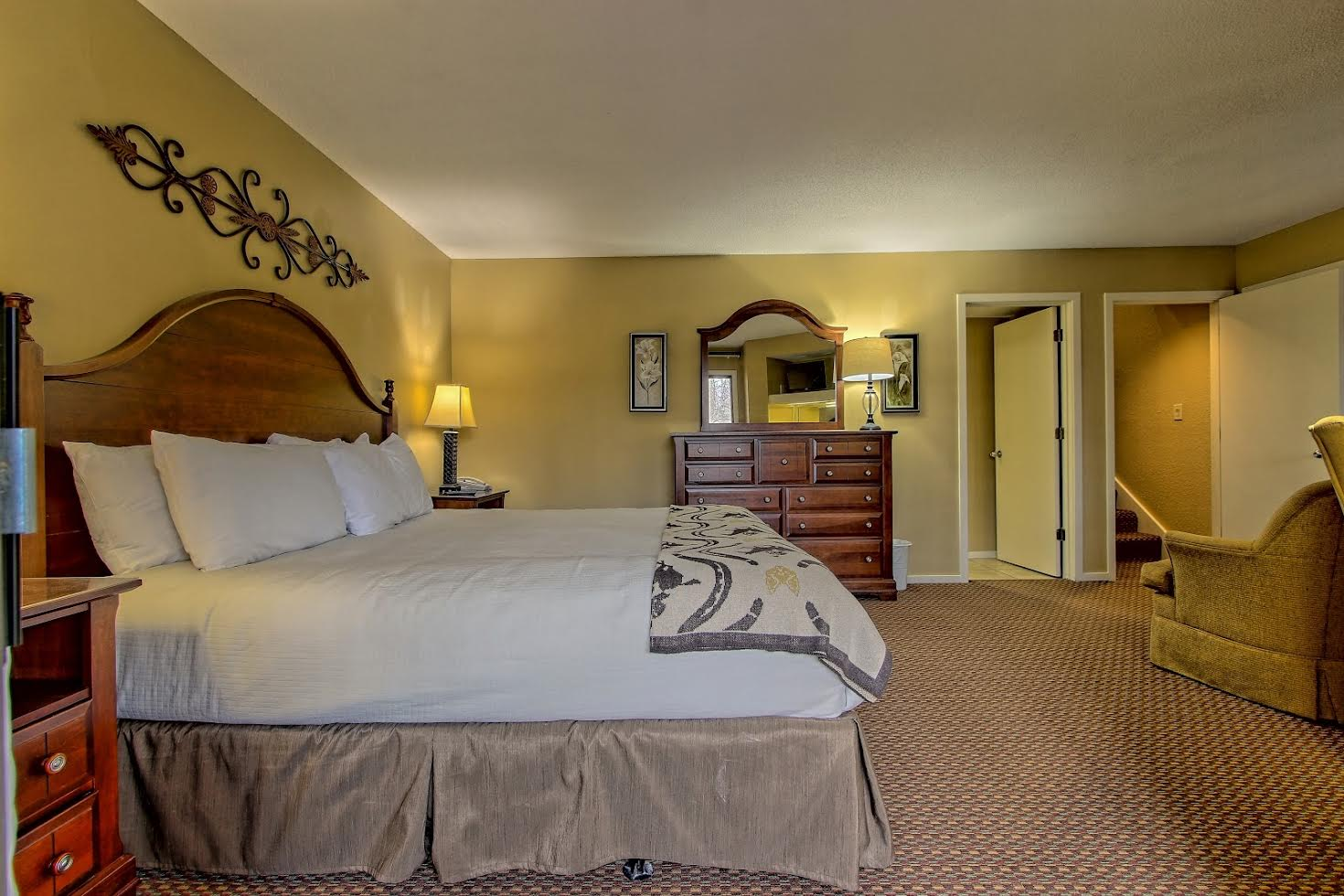 Two Bedroom Suite Picture Number 11