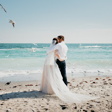Wedding photographer Zhenya Pavlovskaya (Djeyn). Photo of 07.10.2017