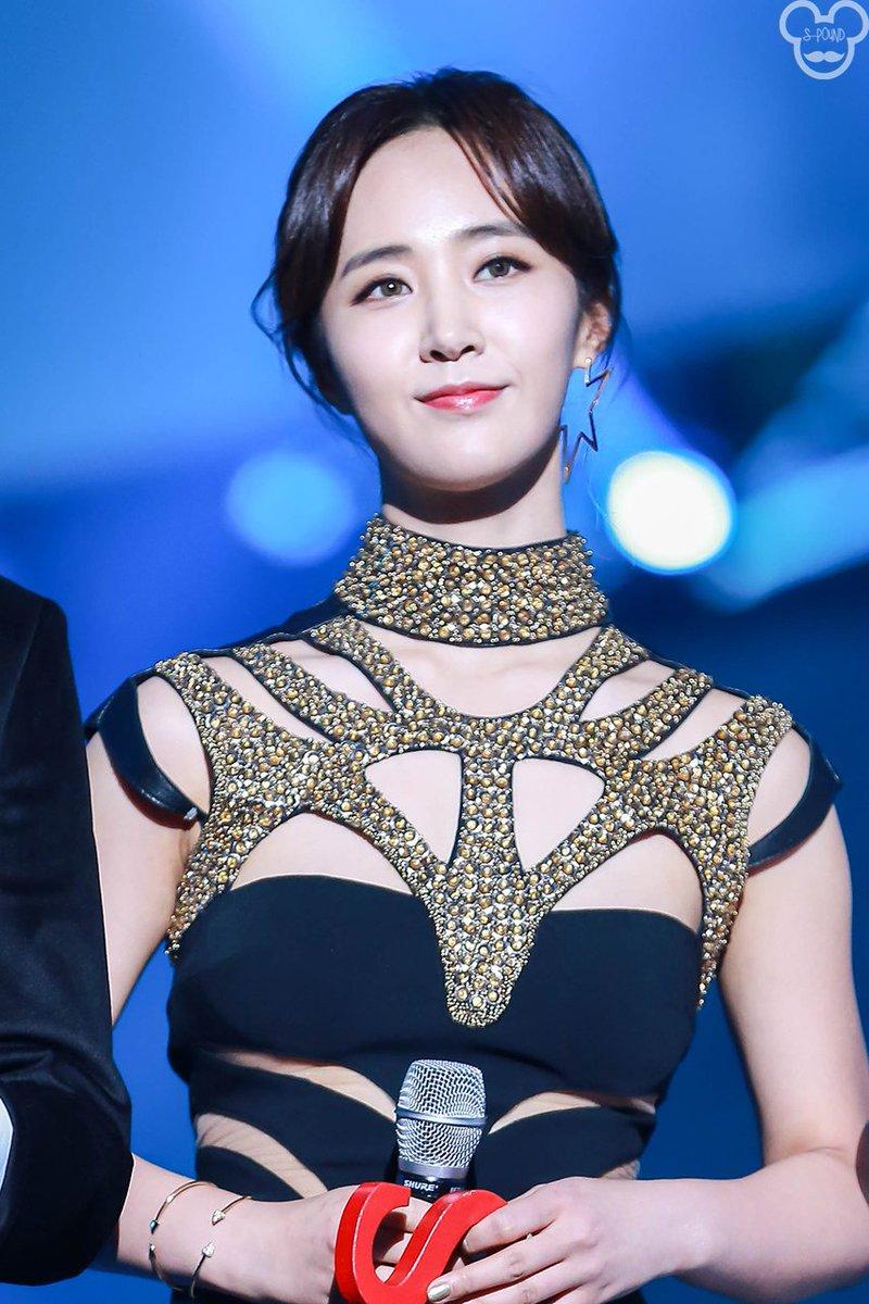 yuri gown 34