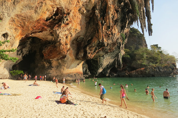 Impressing limestone cliffs at Railay Beach