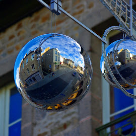 Lamballe x 2 by Ciprian Apetrei - Public Holidays Christmas ( globes, christmas, brittany, decorations, bokeh,  )