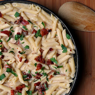 Creamy Garlic Pasta with Bacon and Chicken