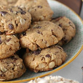 Flourless Dark Chocolate Chunk Peanut Butter Oat Cookies
