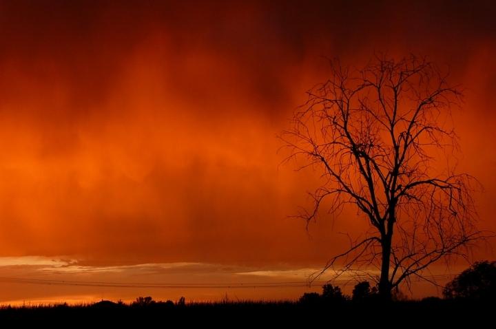 Un cielo in fiamme.. di elly-tata