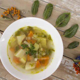 """My Vegan German-Inspired Clear Vegetable Soup (""""Alles Klar"""" Gemüsesuppe)."""