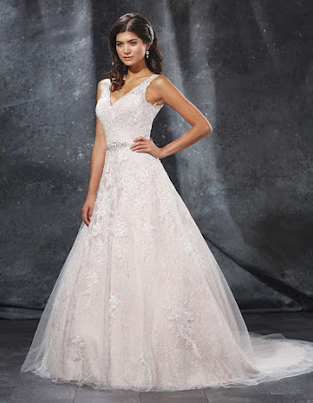 D1474 Wedding Dress Sacha James