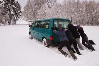 Photo: Vyjde kocábka na hrad? 4x4 pohon zapnutý, ale miestami sme museli tlačiť.