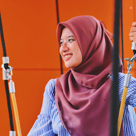 A Girl Among The Ropes by Muhammad Hasyir - Novices Only Portraits & People ( #potrait,  )