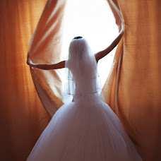 Wedding photographer Elena Poletaeva (Lenchic). Photo of 16.12.2013