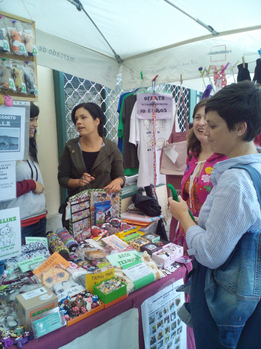 """Esperanza Felina en """"El Mercado de La Almendra"""" en Vitoria - Página 24 QY9iZCQjiUU1mBMviPr94E52OvMjK85OB2Ey1CKdYhM=w521-h695-no"""