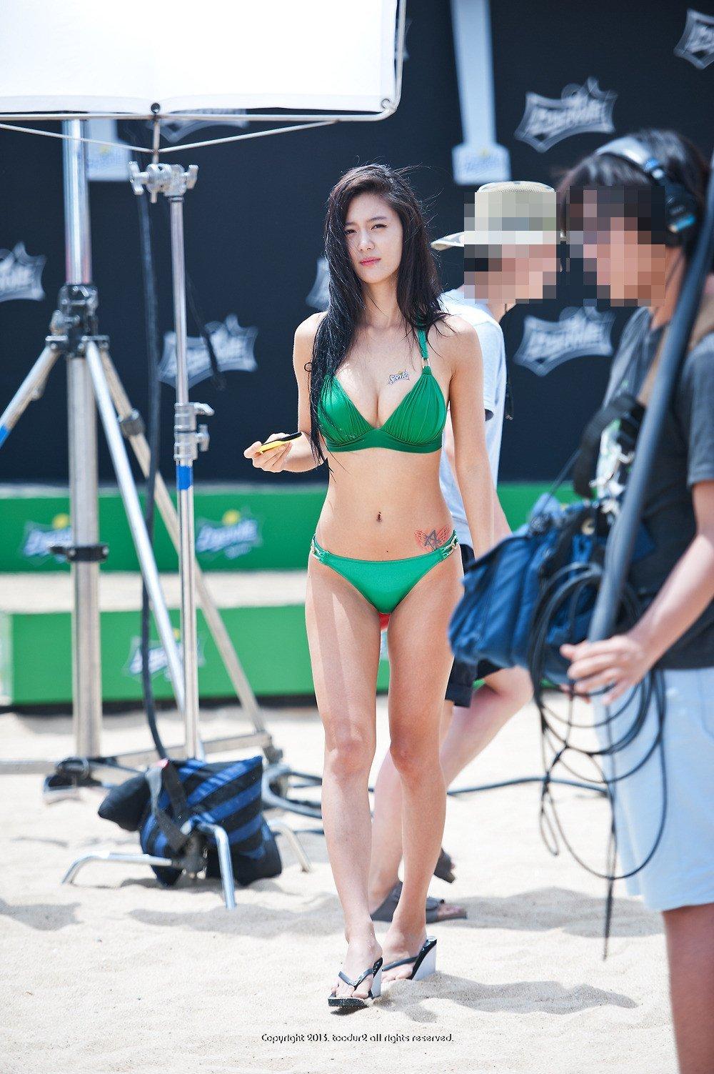 33 Female Idols With The Hottest Bikini Bodies