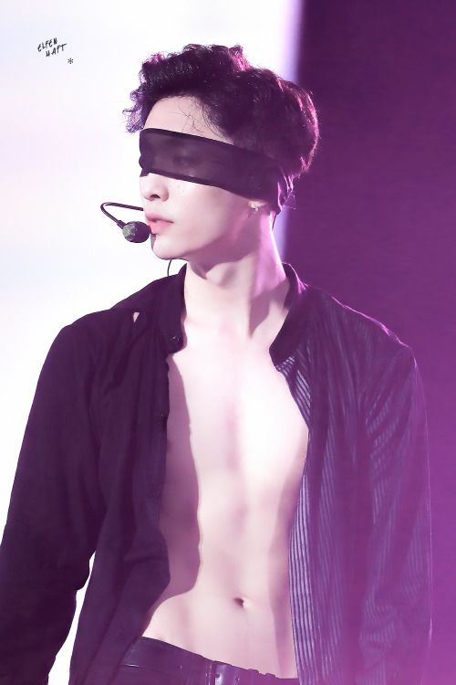 lay blindfold 2
