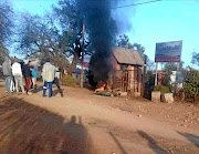 Burning tyres outside Mpumelelo Primary School in Middleplaas, at Driekopoies outside Malalane, Mpumalanga. /Supplied