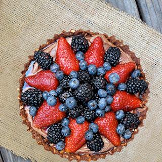 Nutella & Berry Pie with Pretzel Crust