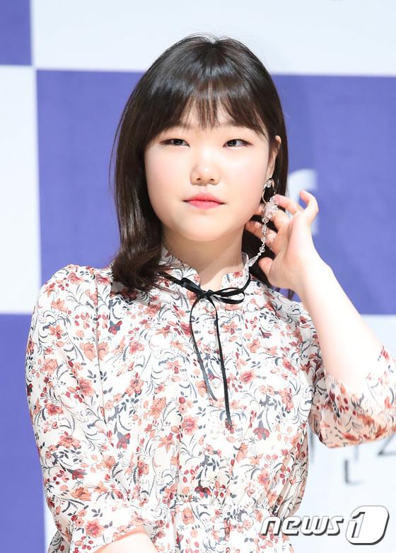 악뮤 수현, 화사한 꽃미모