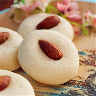 Almond Cookies.
