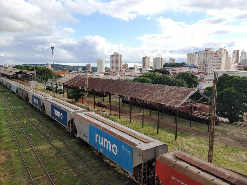 Uso de ferrovia melhora competitividade do agronegócio brasileiro no mercado mundial. (Fonte: Shutterstock)