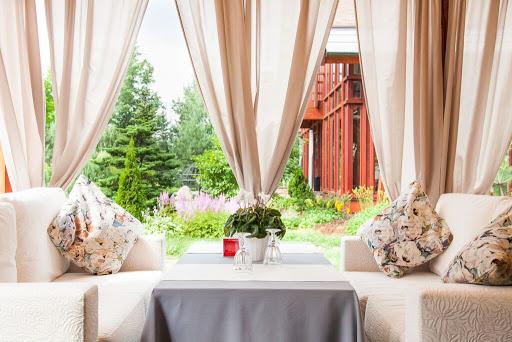Зал для свадьбы в Chalet за городом в Подмосковье