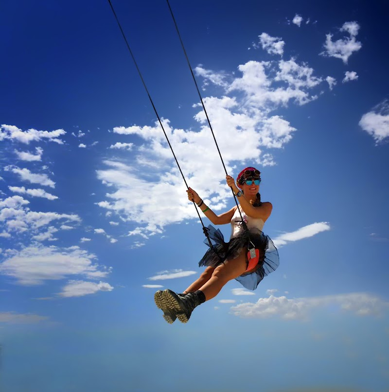 Swinging in the sky  di mt antona