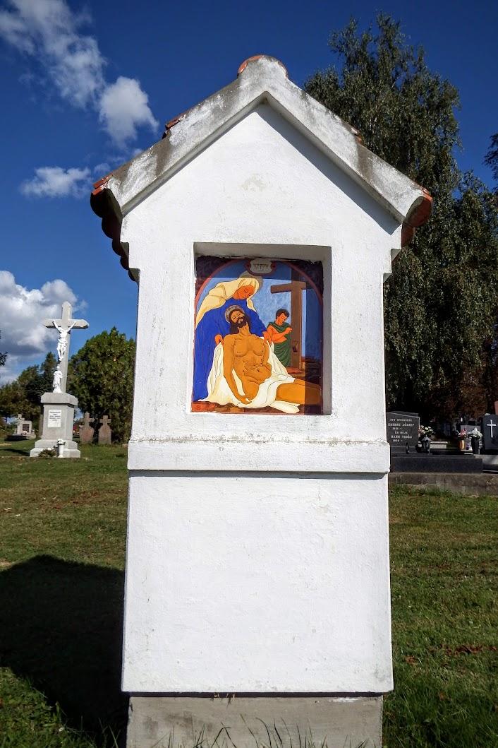 Palotabozsok - keresztút és kálvária-szoborcsoport a temetőben