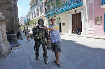 That's me with El Caballero de Paris sculpture. Rub it for luck!