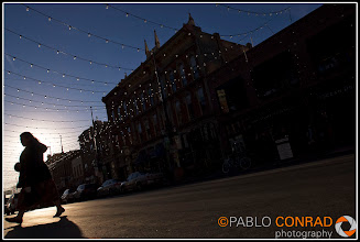 Photo: A woman crosses Larimar Square in downtown Denver, Colo., on Saturday afternoon Jan. 29, 2011.