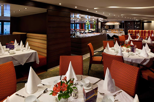 amacerto-restaurant.jpg - Enjoy regional specialties and take in the sights from the main restaurant on AmaCerto.