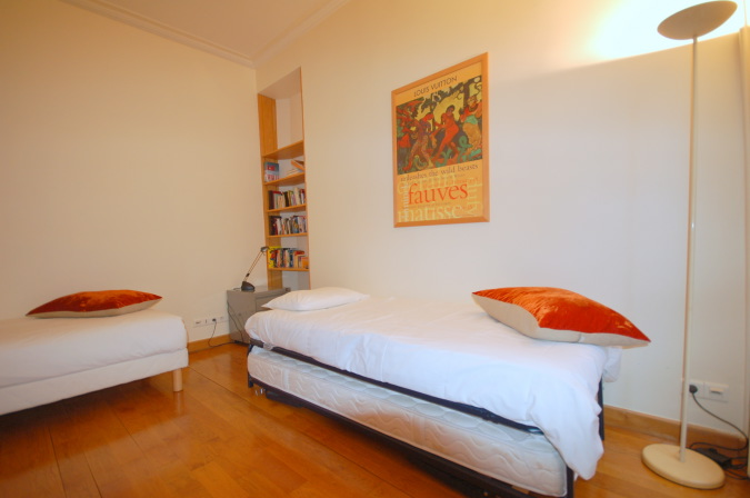 2 bedroom apartment at Rue Coquillre