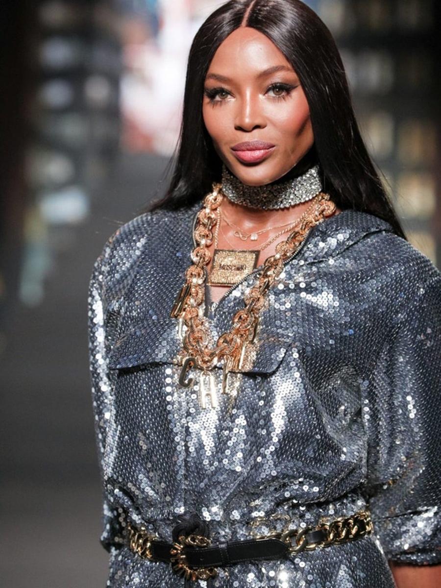 50 tuổi Naomi Campbell vẫn ở đỉnh cao phong cách siêu mẫu - VietNamNet