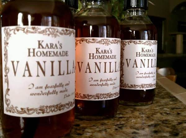 Homemade Vanilla As Stocking Stuffers Is Always A Hit!