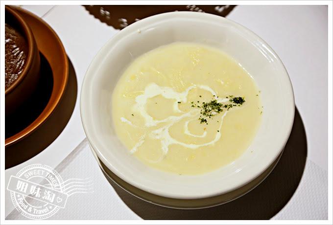 新國際西餐廳奶油玉米濃湯