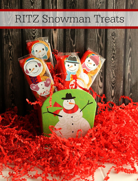 These easy RITZ Snowman Treats are a fun way to keep hangry at bay. Download your free printable for snowman stickers today!