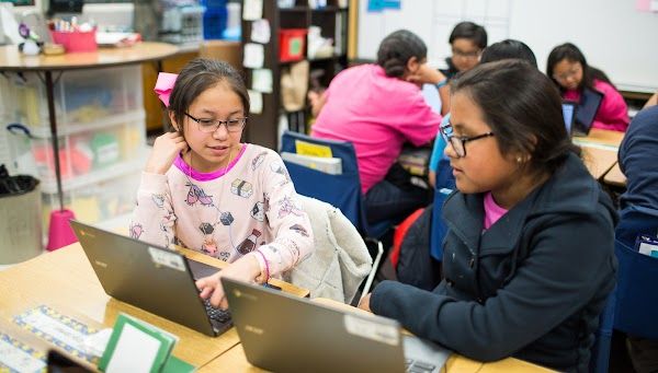 Yolondalyn Murray uses CS First to advance young library users's computer science skills