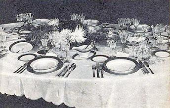Photo: Mártás-csésze az ebédlőasztalon. - Sosjerka na stole