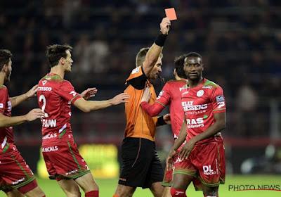 Mamadou Sylla en Francky Dury reageren na Zulte Waregem - Standard en op de rode kaart na de fout op Collins Fai