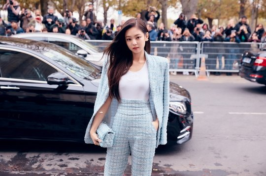 Jennie-Chanel-03