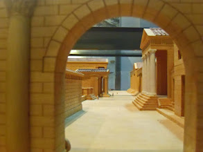 Photo: Maquette van de Agora in Cyrene
