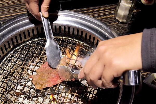 台中燒烤店))好客-無煙海鮮炭火燒肉 /燒烤吃到飽