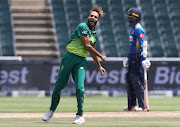 South Africa's premier spin bowler Imran Tahir has announced that he will retire from international cricket at the end of the World Cup in England later this year.