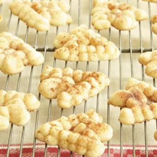 Snickerdoodle Spritz Cookies