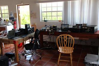 Photo: Preparando las 2 estaciones para el CQWW SSB 2011 - Multi 2